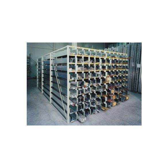 Kazettás polcrendszer 54 db tálcával, 3000x1500x2000 mm